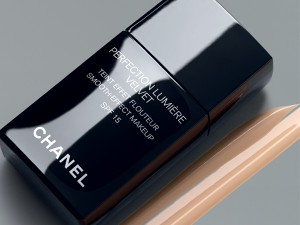 perfection-lumiere-velvet-foundation-by-chanel1